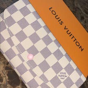 Louise Vuitton EMILIE wallet